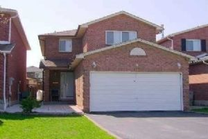 $499,000 • 66 Jay St , Heart Lake West