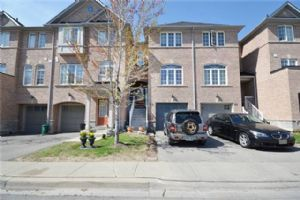 $1,650 • 36 Axelrod Ave