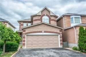 5 Steele Valley Crt, Whitby