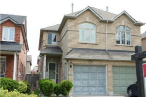 579 Pinder Ave, Newmarket