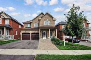 1061 Warby Tr, Newmarket