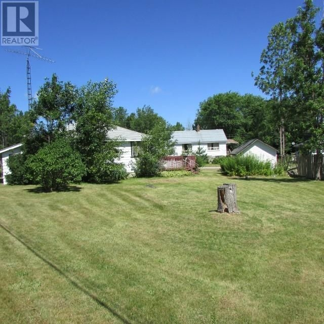 Listing 1550497 - Thumbmnail Photo # 3