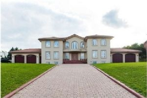 22 Woodland Acres Cres, Vaughan