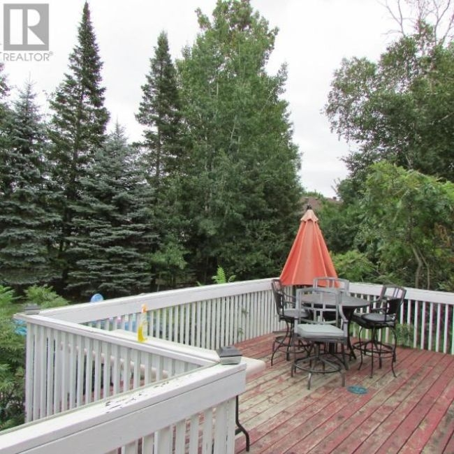 Listing 1552644 - Thumbmnail Photo # 22