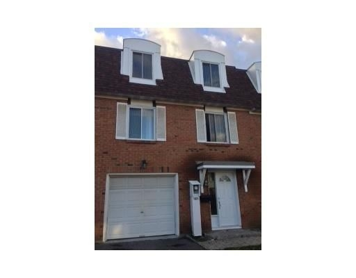 1831 axminster ct mls 675446 see this townhouse for Garage varnier ons en bray