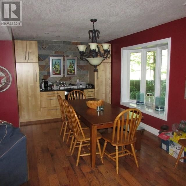 Listing 1554240 - Thumbmnail Photo # 16