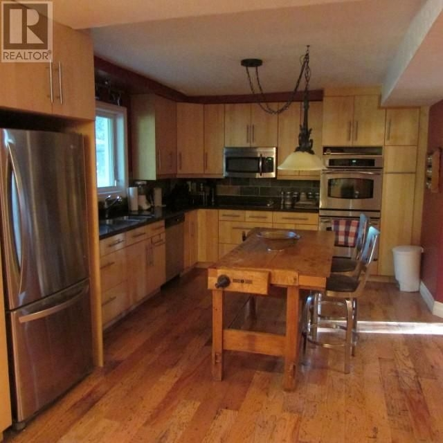 Listing 1554240 - Thumbmnail Photo # 17