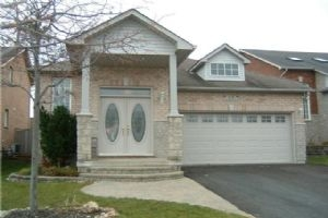 25 Edwards Dr, Barrie