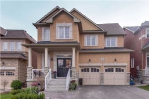 1066 Warby Tr, Newmarket