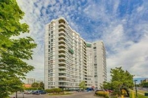 7460 Bathurst St, Vaughan