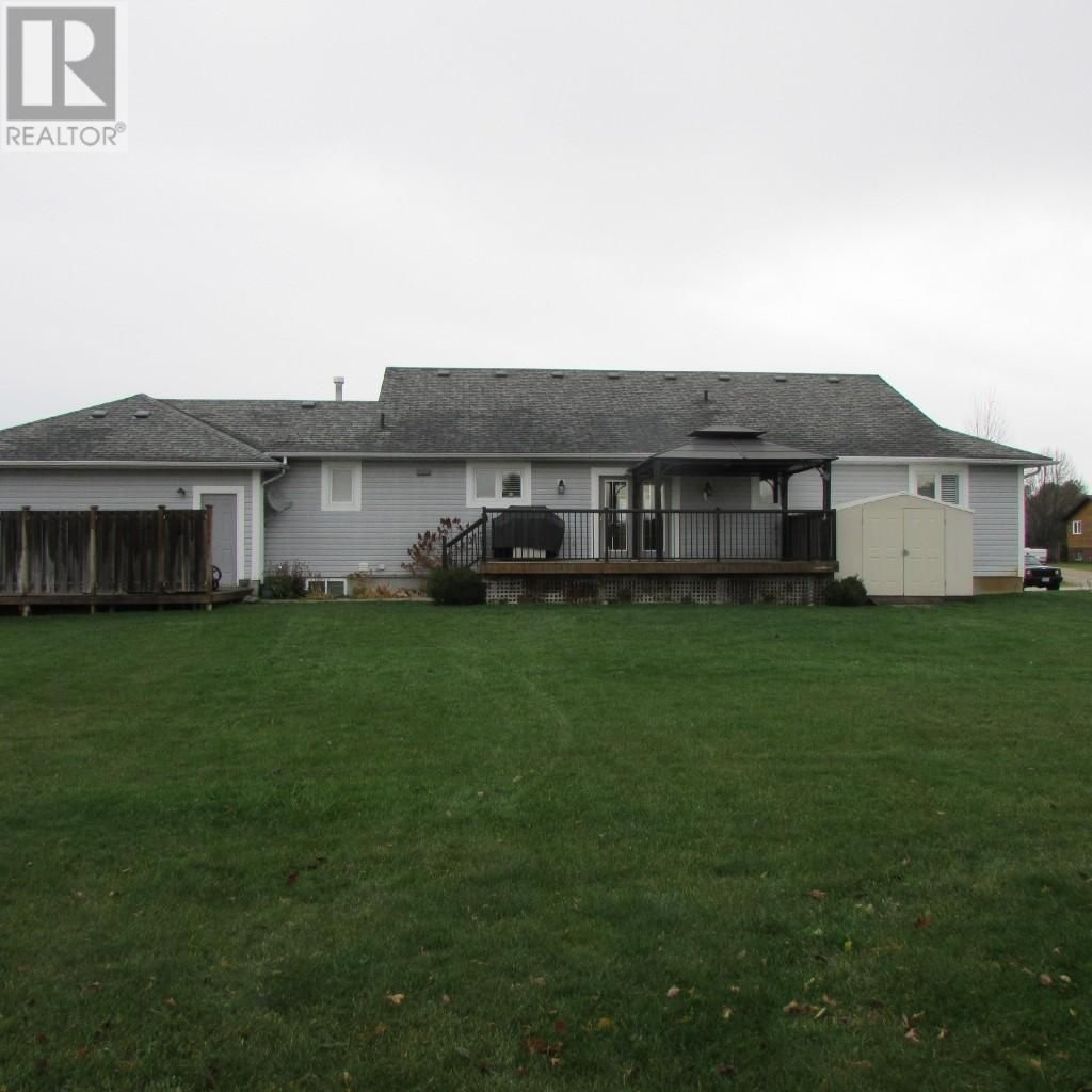 Listing 1558169 - Thumbmnail Photo # 4