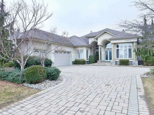 60 lyonsview lane mls w3412933 see this detached