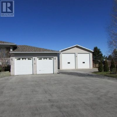Listing 1537093 - Thumbmnail Photo # 2
