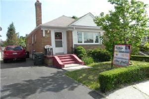 2951 St Clair Ave E, Toronto