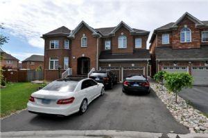 $849,000 • 10 Hillson Crt , Vales of Castlemore